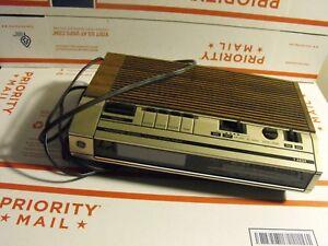 Vintage-Electronic-Digital-FM-AM-Clock-Radio