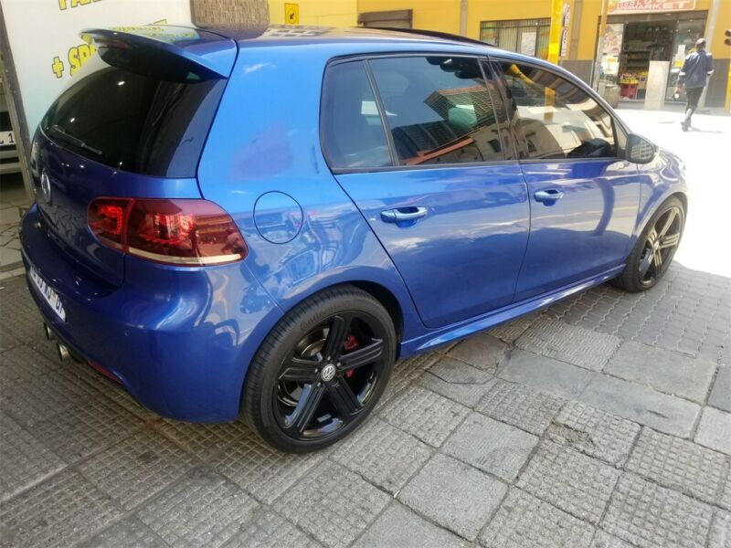 2012 Volkswagen Golf 1.8 GTI-R, Blue with 119000km available now!