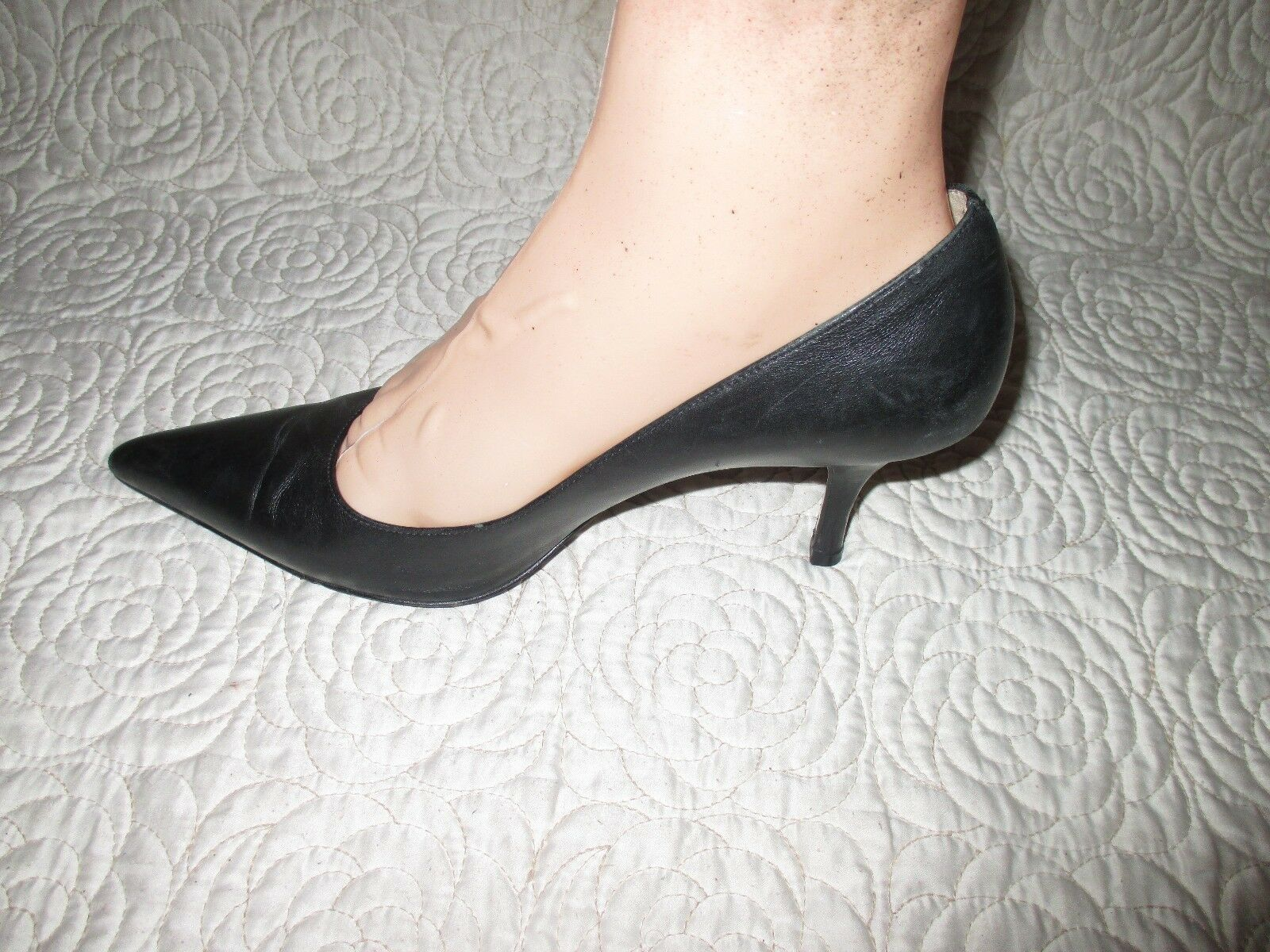 Cole Haan  Classic Black leather Pumps SIZE 9 B