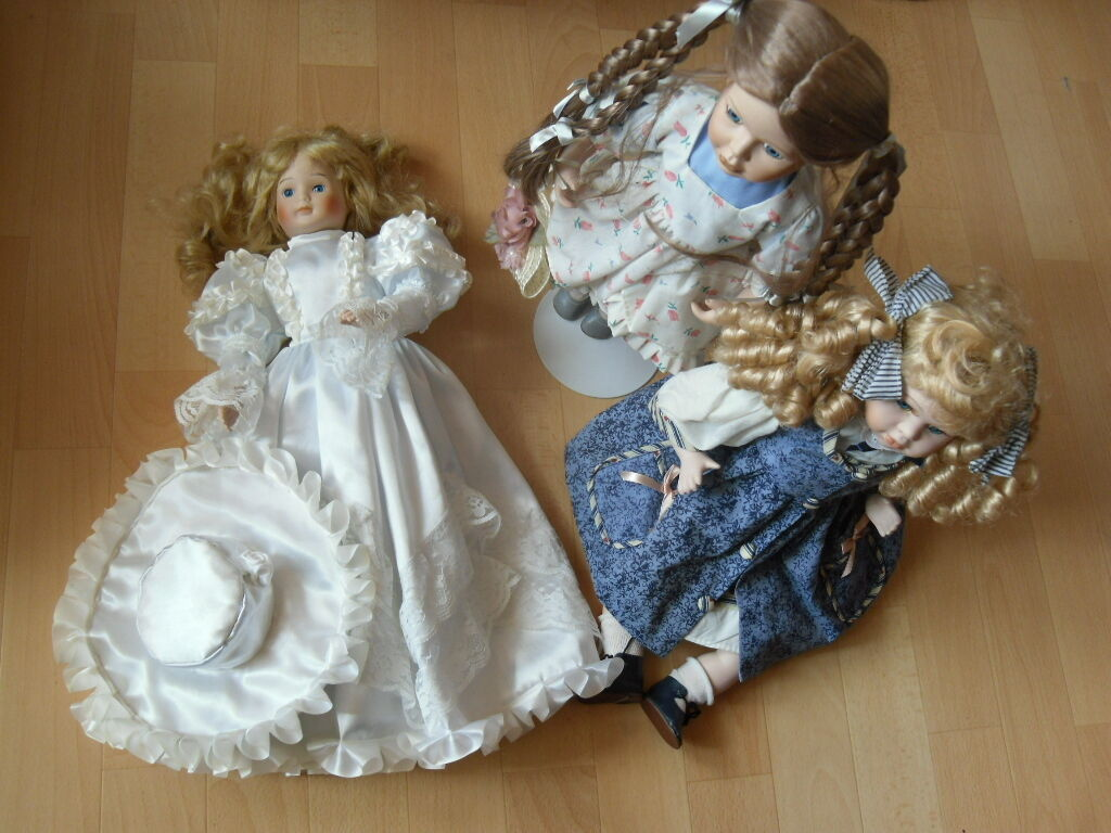 3 sehr schöne Porzellanpuppen   Dame in weißem Kleid  und Hut   Mädchen