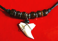 COLLIER DENT DE REQUIN PENDENTIF PERLES SURFEUR bijoux