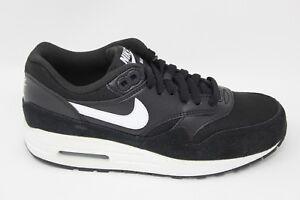 Nike Women's Air Max 1 Essential 599820 022 BlackWhite