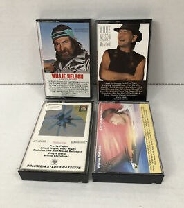 Lot-Of-4-Willie-Nelson-Cassette-Tapes-Music-Always-On-My-Mind-Me-amp-Paul-amp-More