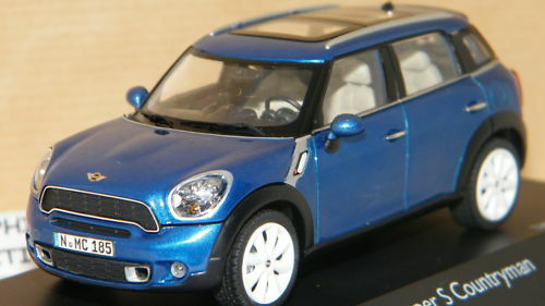 MINI COOPER S COUNTRYMAN BLEUE DE SCHUCO SCALE 1 43