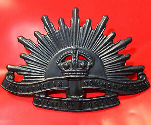 AUSTRALIAN-ANZAC-WW1-amp-WW2-RISING-SUN-UNIFORM-HAT-OR-CAP-BADGE-MEDAL