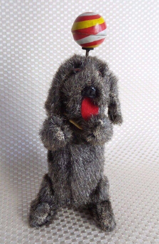 Gran VENDIMIA Wind-up balanceo de la bola Perro Piel cubierto Estaño Juguete Japón - 1950s