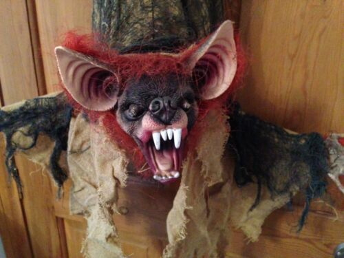 Halloween Scary Hanging Light Up Moving Bat  Prop