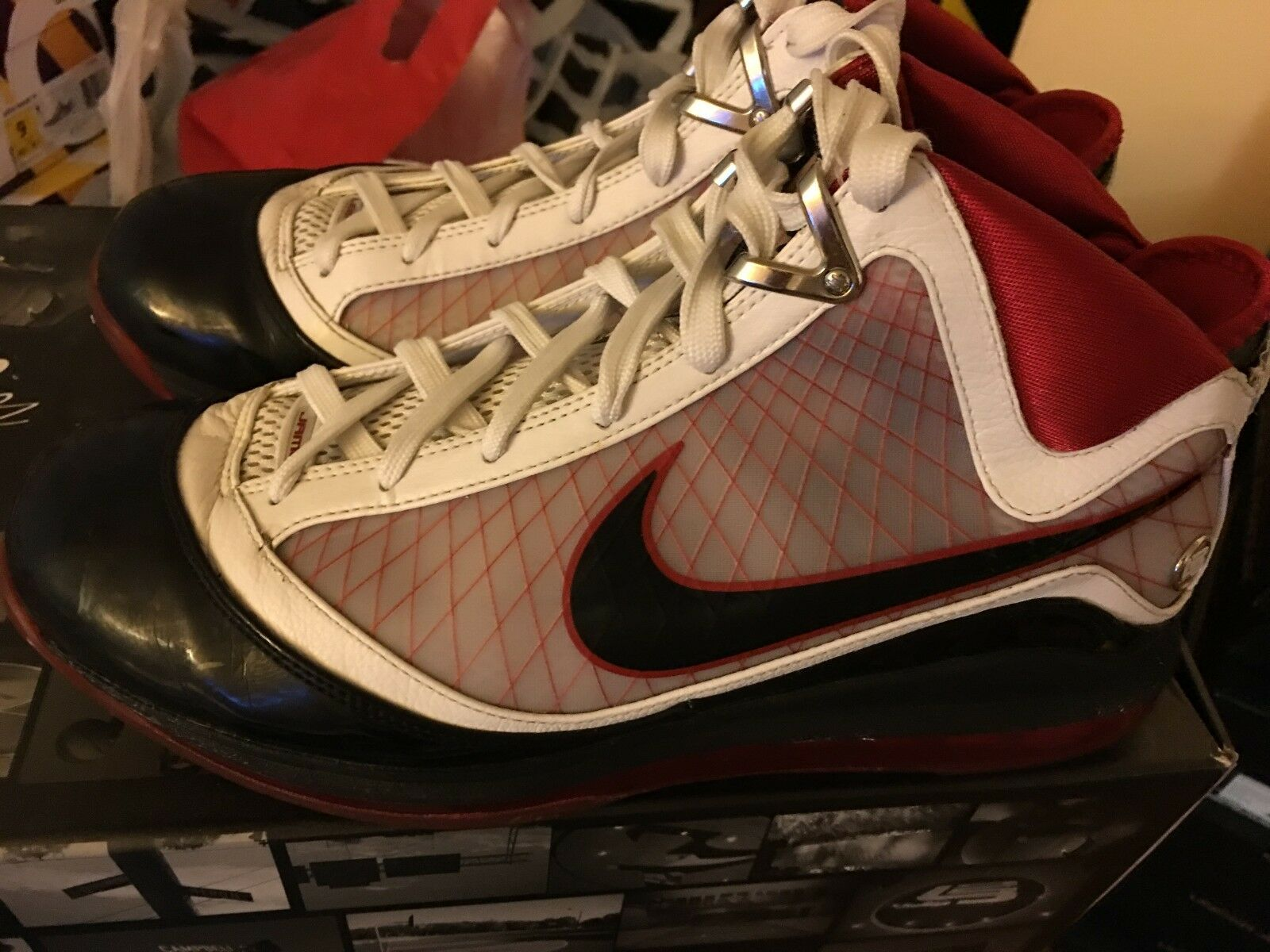 nike Lebron 7 VII Home Cavs size 10.5 Worn - great condition New shoes for men and women, limited time discount