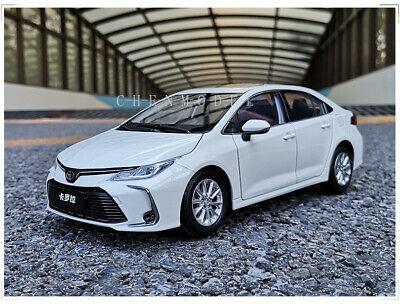 Toyota Corolla 2019 car model in scale 1:18 White