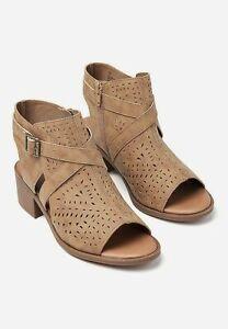 NEW NWT Justice Girl/'s Cutout Peep Toe Sandal