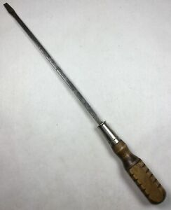 Vintage-Unbranded-15-034-Long-Wooden-Handle-Slotted-Flat-Tip-Screwdriver-Nice-Tool