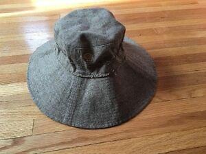 26f111077 Details about Women's Mountain Hardwear Sun Hat, Medium Beach large brim  tan brown