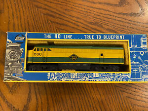AHM Reading Lines Locomotive #266 HO Scale Vintage Engine Railroad Set