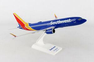 Avion Boeing 737MAX8 Southwest Airlines WIFI Radome longueur 30cm sur socle,neuf