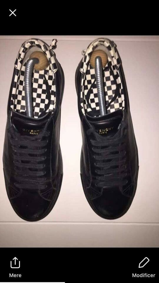 Sneakers, Givenchy, str. 40