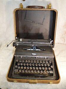 Vintage Royal Aristocrat Typewriter with Case