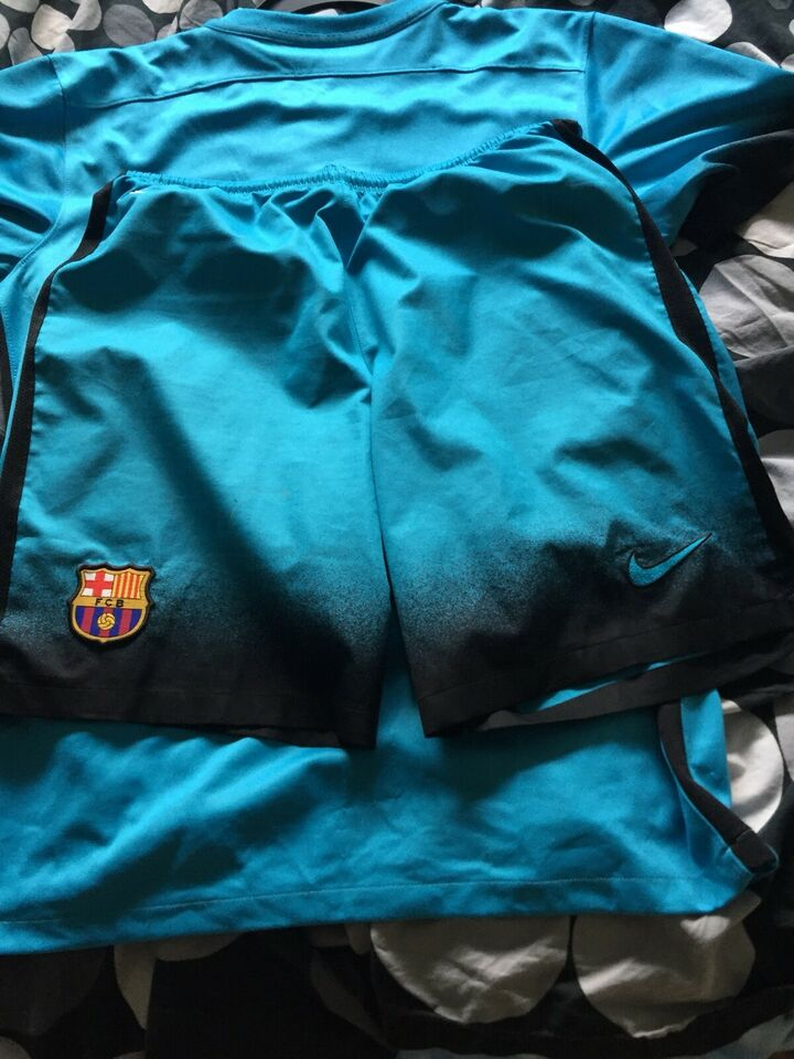 Fodboldsæt, 3 trøjer med shorts til FC Barcelona 15/16,