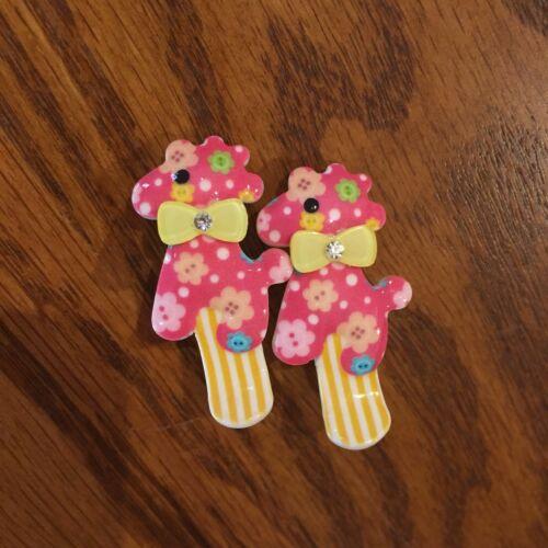 2 GIRLS BABY HAIR CLIPS DARK PINK /& YELLOW GIRAFFE SET OF TWO