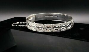 Vintage-British-Sterling-Silver-Cuff-Bracelet-Hinged-Signed