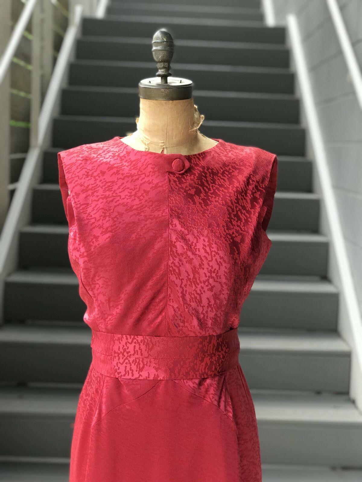 1950s Rasberry Jacquard Formal Dress + Belt - image 3