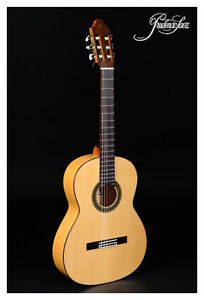 Flamenco-Guitar-Saez-15-Solid-Spruce-Top-amp-Cypress-Body-Demonstration-Instrument