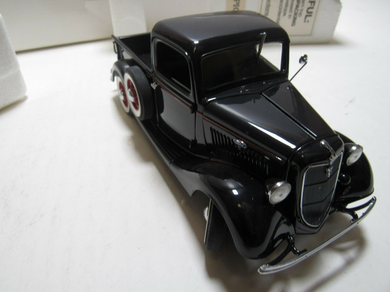 Danbury Mint Pickup Ford 1935 con Caja Original