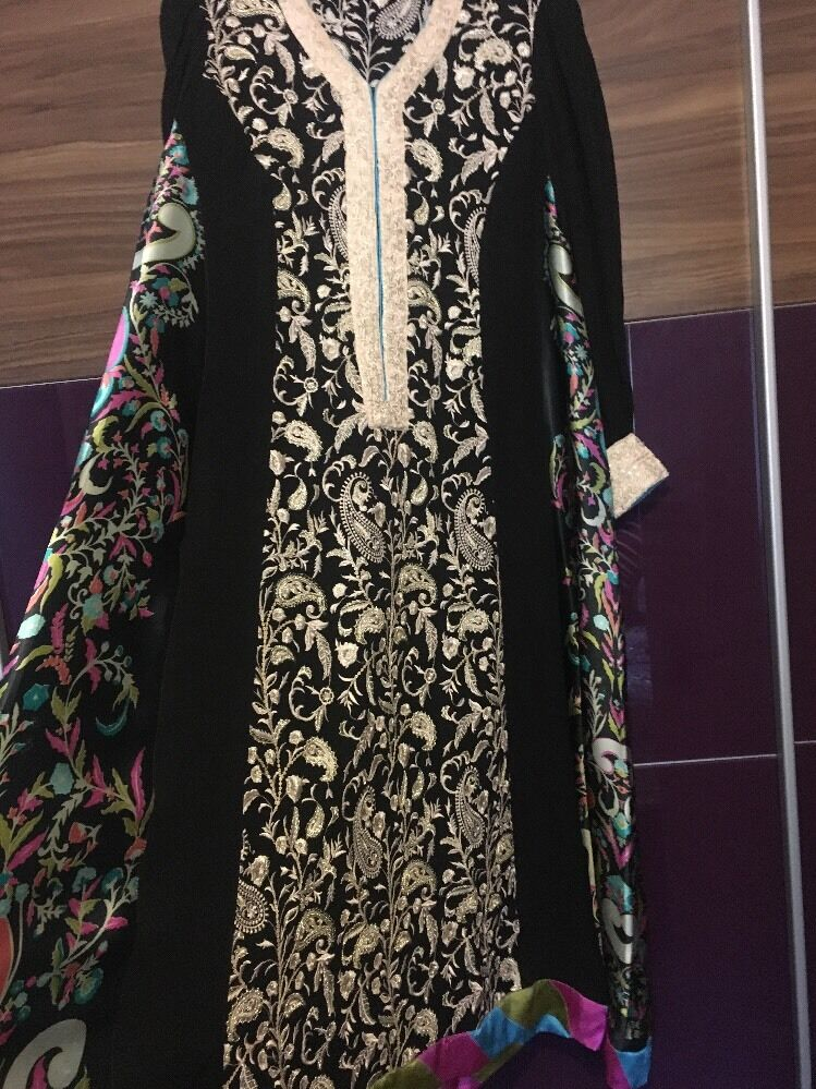 Threads And Motifs Pakistani Designer Embroidered Dress Small