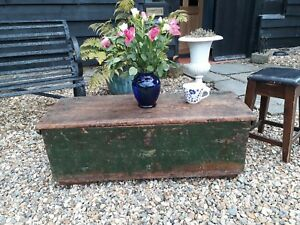 100% True Antique Vintage Mill Chest Original Paint Coffee Table Bed End Chest Be Novel In Design Antique Furniture Boxes/chests