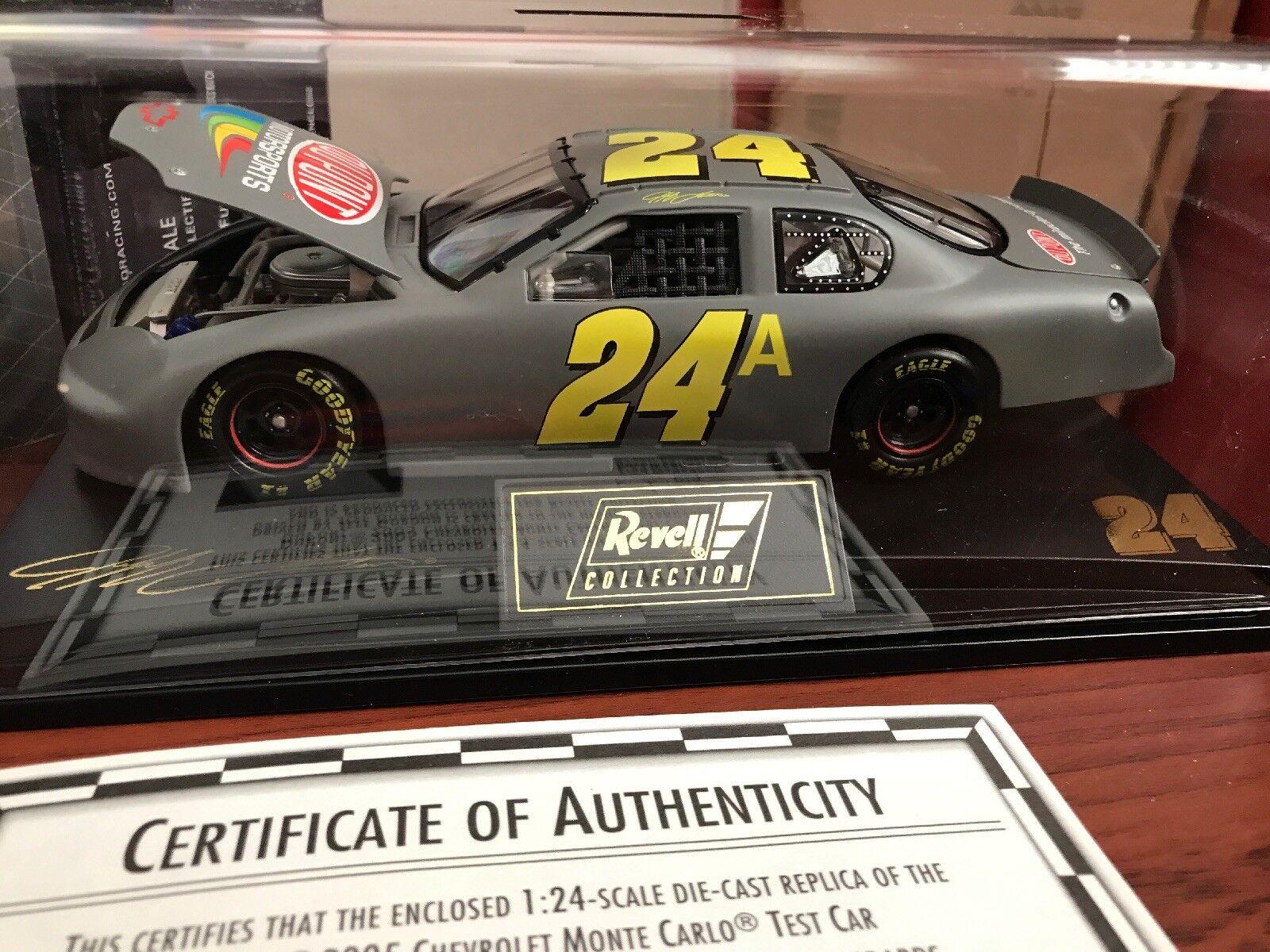 2005 JEFF GORDON DUPONT 1 24 TEST CAR IN PLASTIC CASE