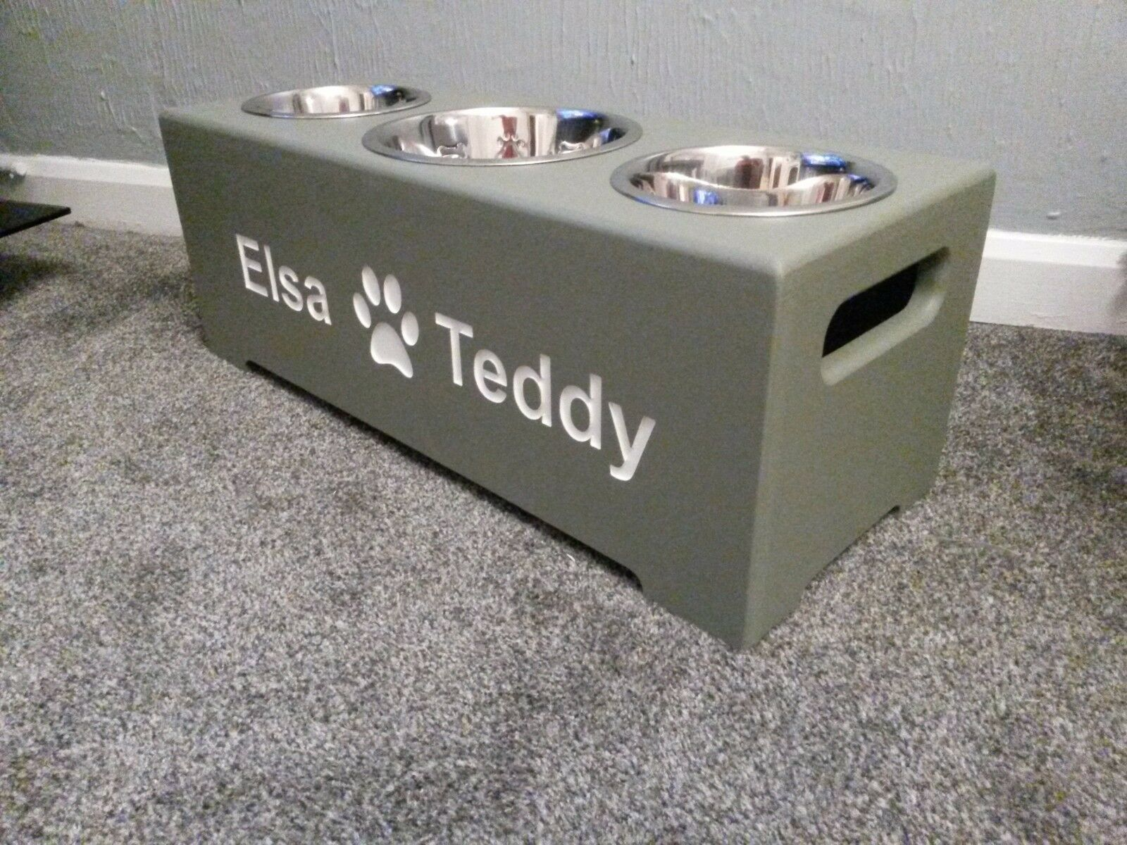 HANDMADE WOODEN PERSONALISED RAISED ELEVATED DOG BOWL 25cm HIGH & BOWLS INCLUDED