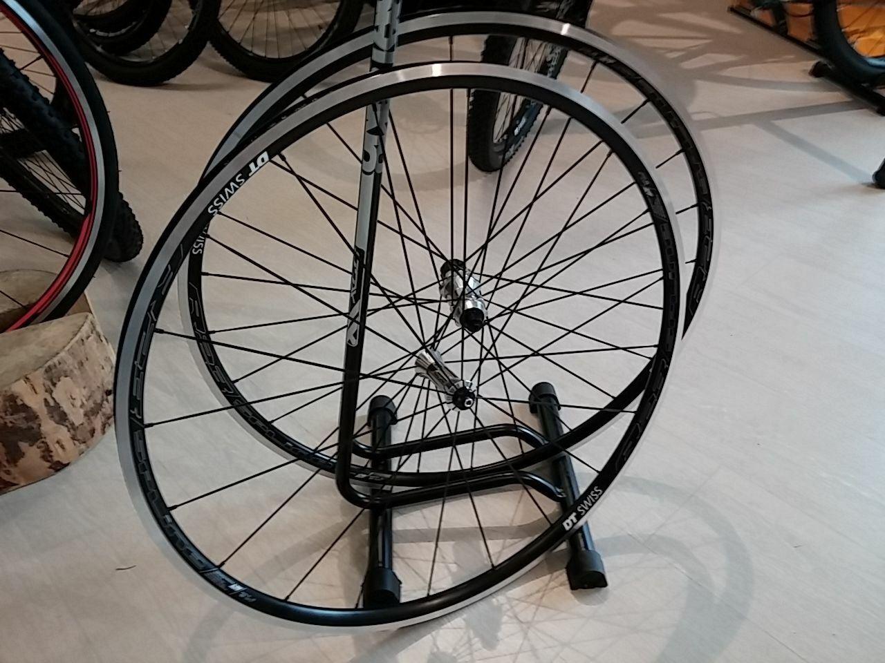 RUOTE DT SWISS R23 Spline Shimano 11v - Cycling Road Wheels