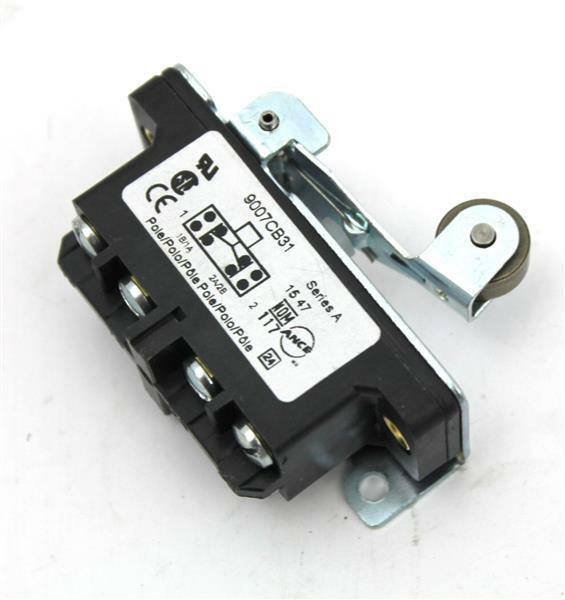 Square D 9007-CB31 Rigid 0.22  Wide Roller Lever Operator Limit Switch