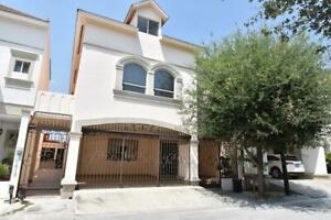 Casa en Venta en Vistancias  - Monterrey, N. L. -  Zona Sur y Carretera  Nacional (AAH)