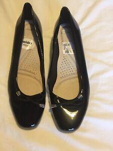 ladies black wide fit Clarks shoes size