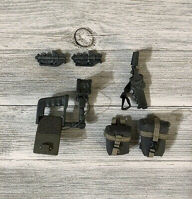 Drake 1/6 Accesory Lot Collectibles Latest Collection Of Aliens Hot Toys Usmc Pvt