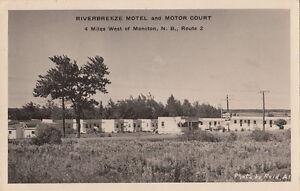 Postcard-RPPC-Riverbreeze-Motel-Motor-Court-Moncton-New-Brunswick-Canada