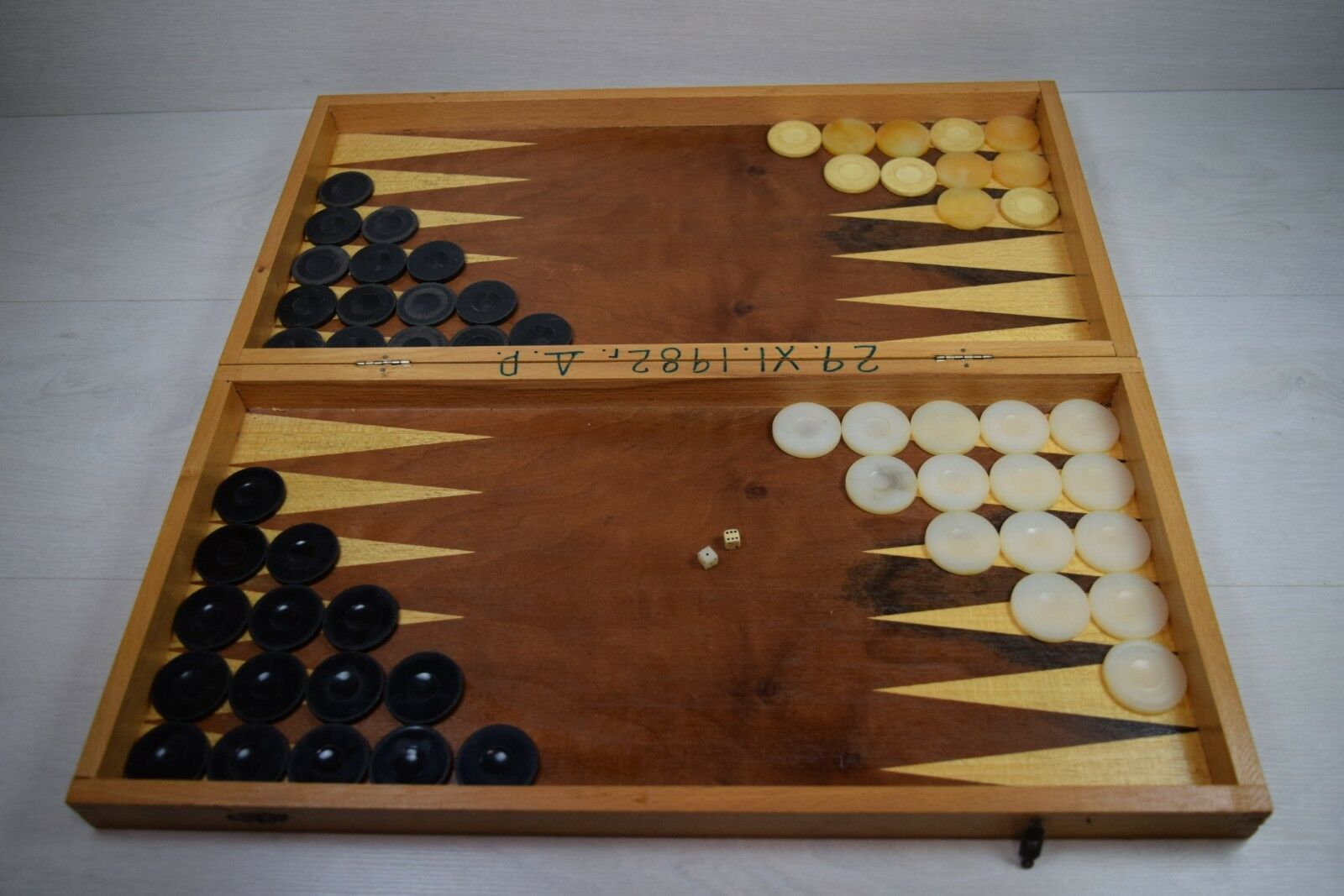 Vintage Collectible Large Wooden Chess & Backgammon Backgammon Backgammon Foldable Table Board Game 46be80