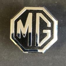 MG CHA544 British Made MGB MGBGT /& MG Midget Black /& Chrome Front Grill Badge
