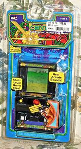 Atari-CENTIPEDE-Classic-Arcade-Electronic-Handheld-MGA-2005-Sealed-New-GAME