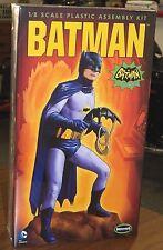 Moebius 1966 TV Show Batman Adam West figure diorama model kit 1/8