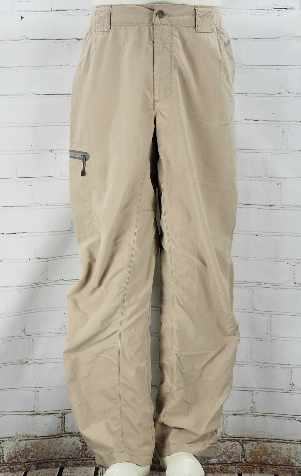Columbia Titanium Cargo Work Pants Men's Size 34 100% Nylon Tan Khaki Outdoors