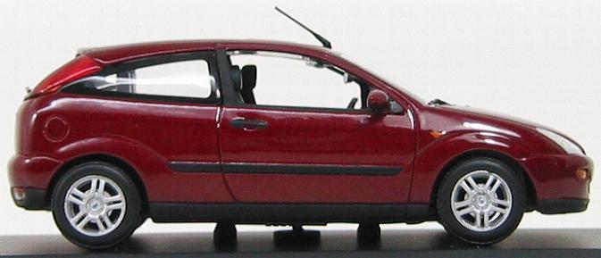 Modelo de escala 1 43, Ford Focus 3 puertas 1998 1998 1998 Oscuro Rojo Metálico 395932