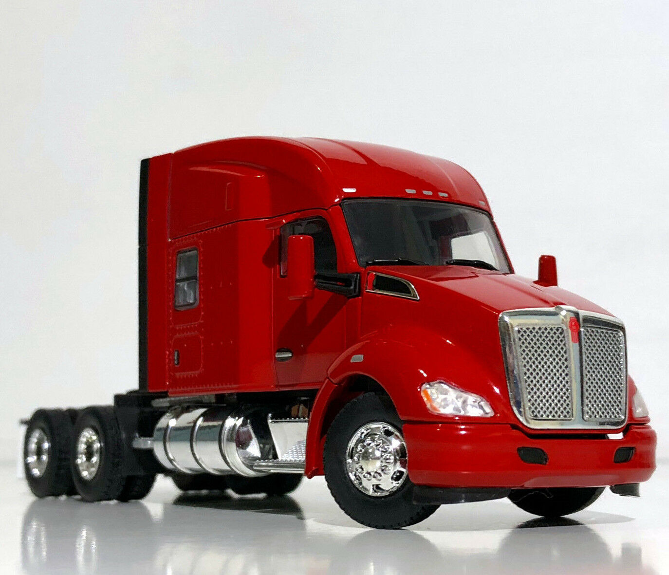 WSI CAMION modelli, Kenworth T680 6x4 rosso, singolo Camion, 1:50