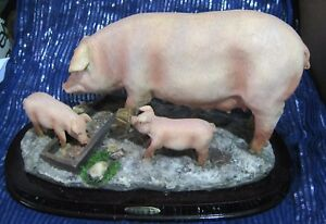 Great-Juliana-Collection-Pig-Sow-and-piglets-on-base-approx-12-ins-Long