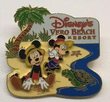 Disney Pin Disney's Vero Beach Resort New Mickey And Minnie With A Turtle Rare
