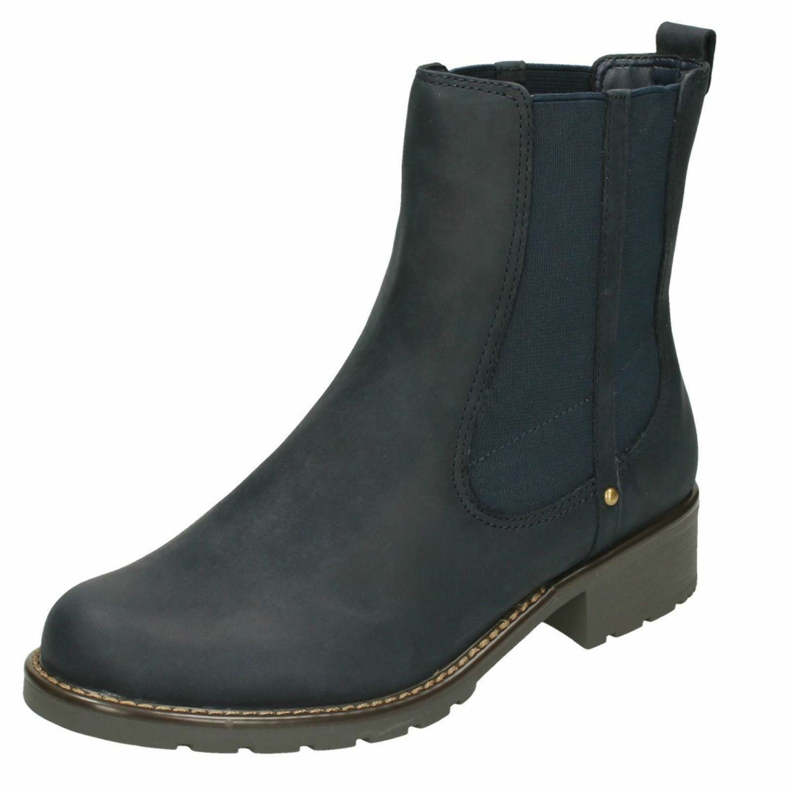 Zapatos especiales con descuento Ladies Clarks Orinoco Club Navy Oiled Leather Ankle Boots D & E Fitting