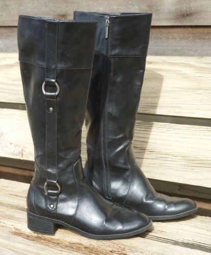 Dockers Womens Boots. Size 8