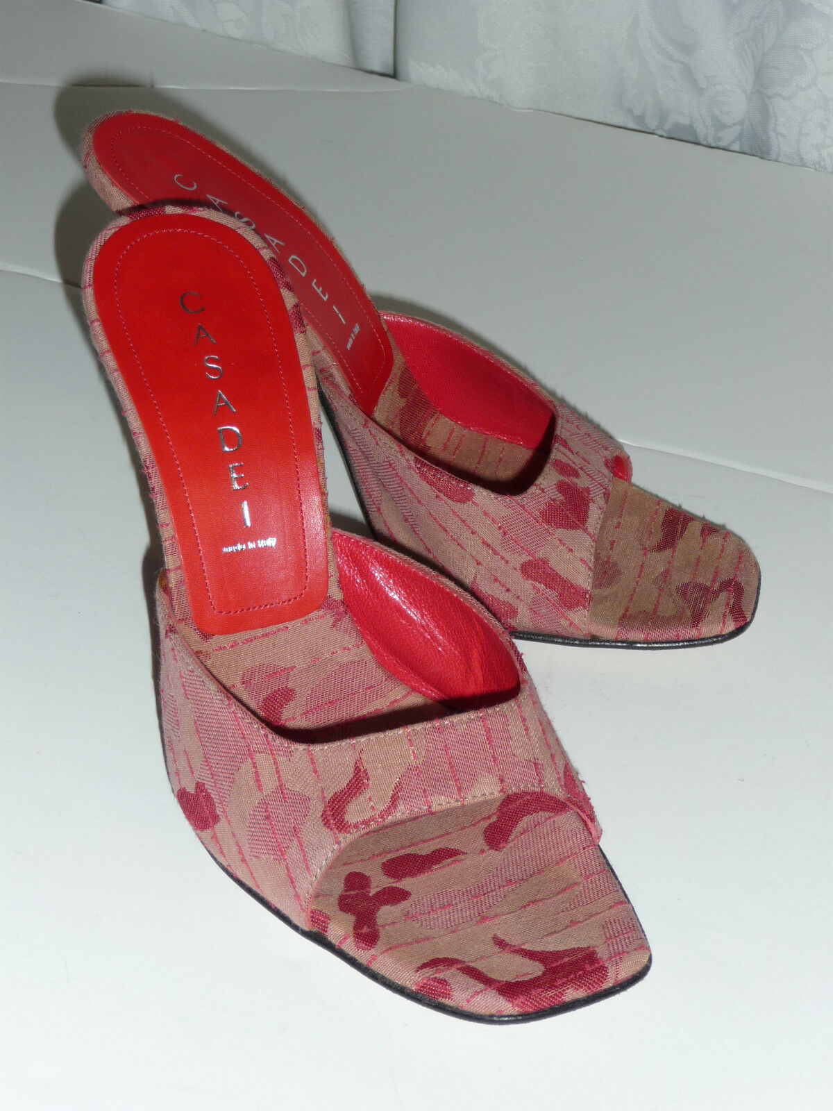 Casadei Made in  rouge High Fashion 4  Stiletto Heel Mule Sandal 6.5 VGUC