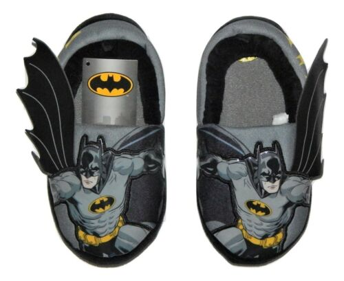 9-10 or 11-12 $20 BATMAN DC COMICS Rubber Bottom Slippers w// Wings NWT Size 7-8