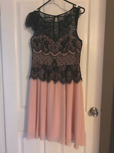 Review-Pink-amp-Black-lace-dress-Size-12